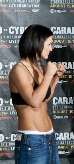 Gina Carano at Strikeforce weighin. Cropped. Photo credit Michael Dunn, CC2.0