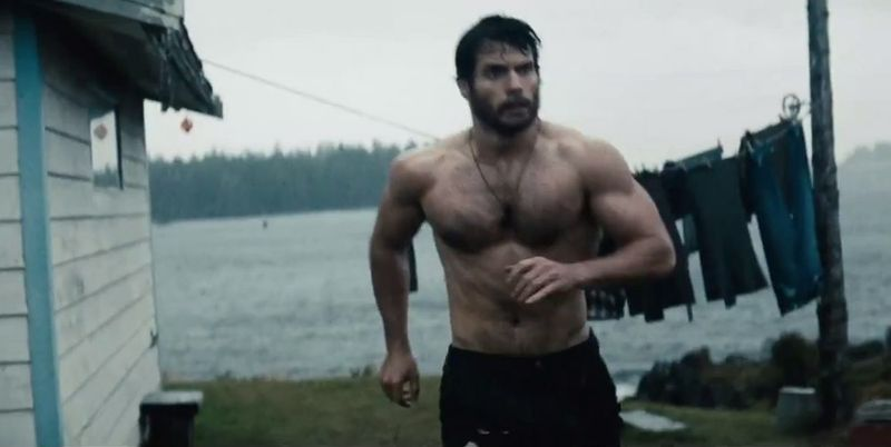 Henry-cavill-superman-shirtless-2